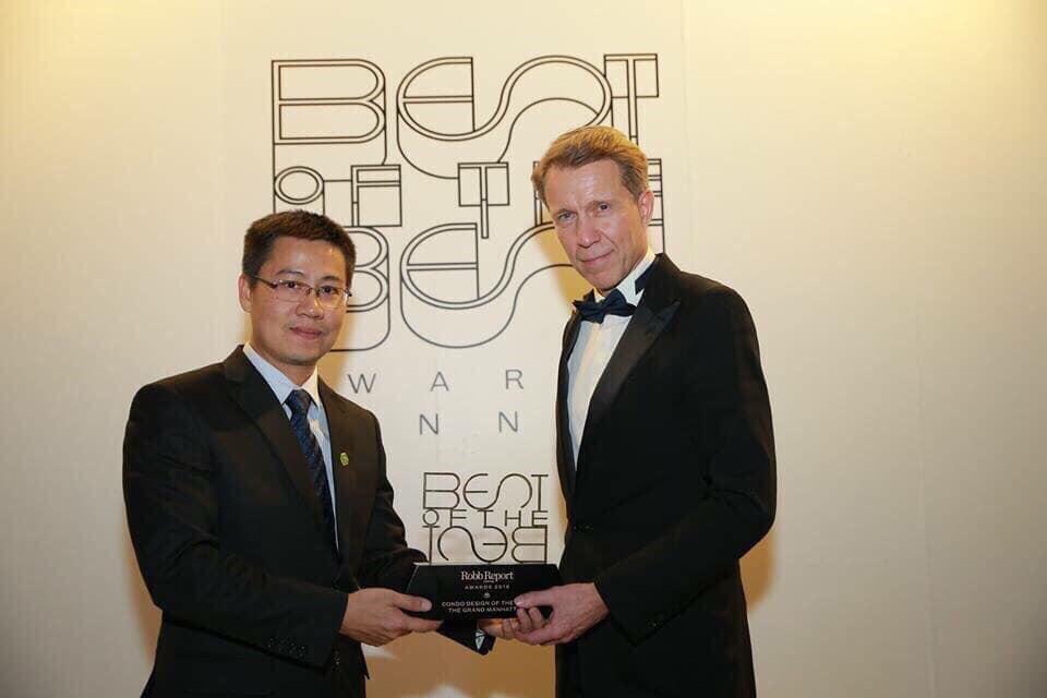 """The Grand Manhattan đã giành chiến thắng tại hạng mục """"Dự án phức hợp cao cấp tốt nhất Việt Nam"""" trong khuôn khổ giải thưởng Dot Property Vietnam Awards - một trong những giải thưởng lớn và uy tín trong nước cũng như khu vực Đông Nam Á."""