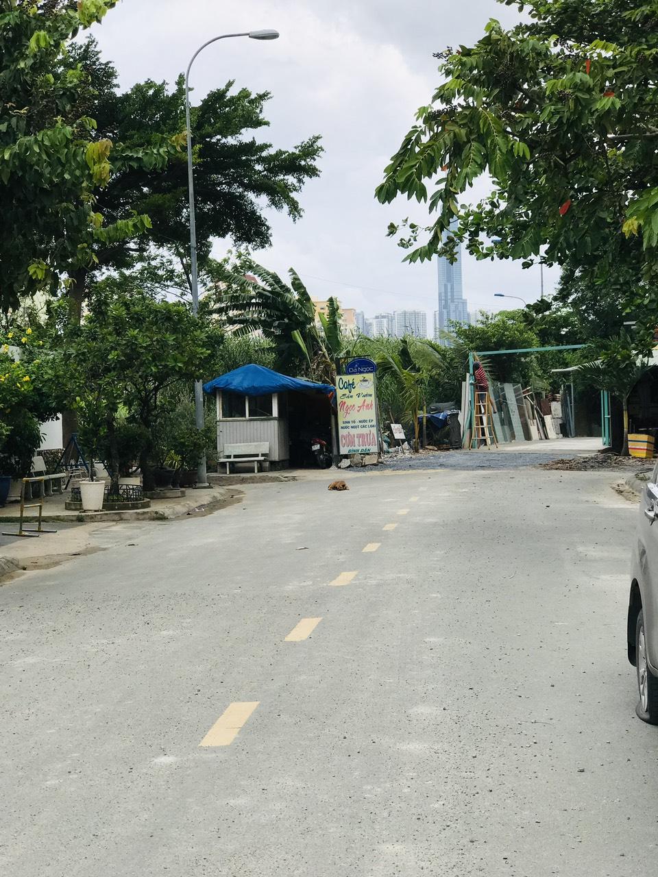 Đường thông nối liền ra Nguyễn Hoàng